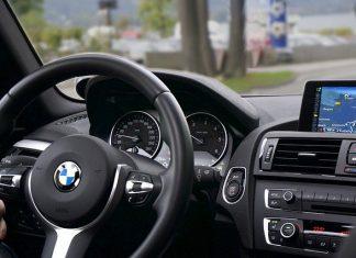 Zestaw głośnomówiący - bezpieczeństwo na drodze