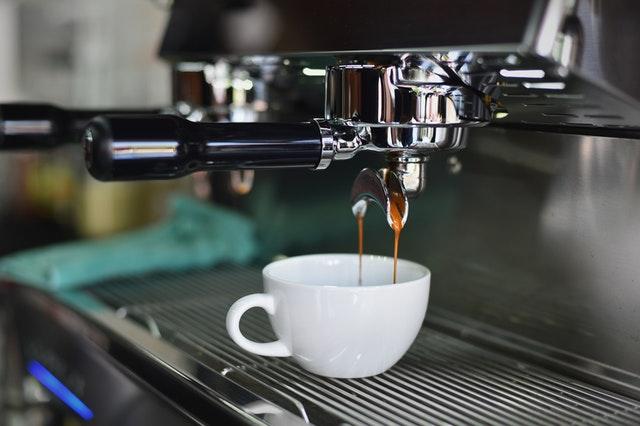 Jaki ekspres do kawy? Rodzaje ekspresów i ich najważniejsze parametry